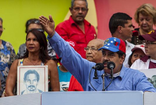 El presidente venezolano, Nicolás Maduro, participa en la celebración del 57 aniversario de la instauración de la democracia en Venezuela, el 23 de enero de 2015, en Caracas (Venezuela).  LA PRENSA/EFE
