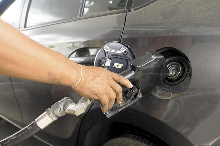 Fuerte alza en las gasolinas y el diesel el domingo en Nicaragua
