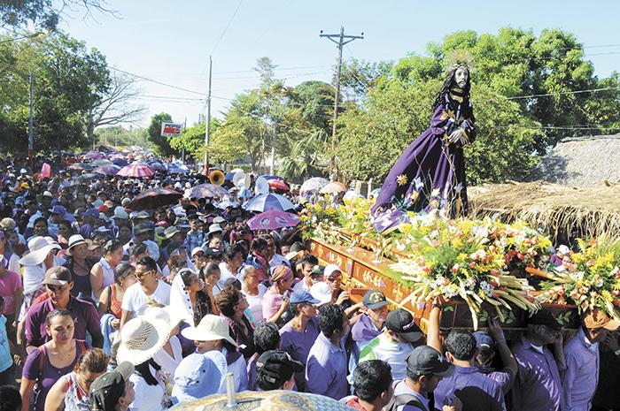 Miles de creyentes asisten a la procesión de Jesús del Rescate,  en Rivas, cada Viernes de Dolores.  LA PRENSA/ M. ESQUIVEL