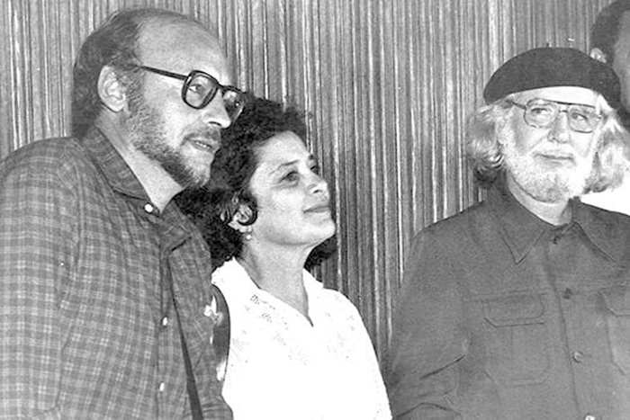 De izquiera a derecha, Eduardo Galeano, Claribel  Alegría y Ernesto Cardenal en uno de sus tantos encuentros literarios. LA PRENSA/CORTESÍA ARTURO ZAMORA.