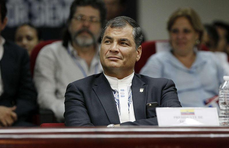 Rafael Correa: Estado ecuatoriano adquirirá automóviles eléctricos