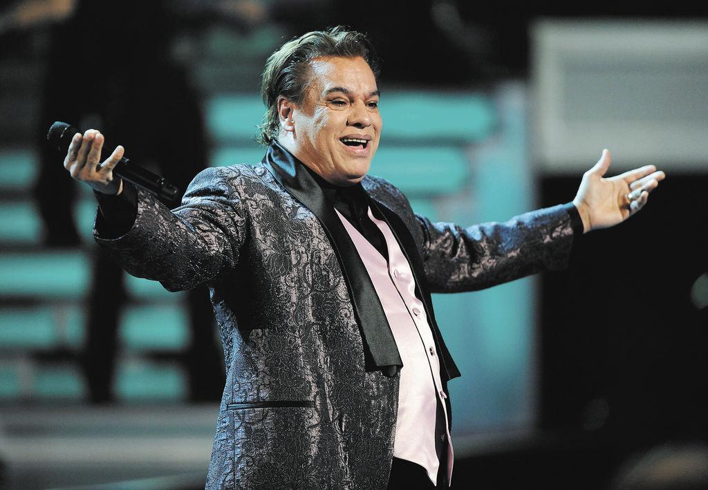 """Video del último concierto del """"Divo de Juárez"""""""