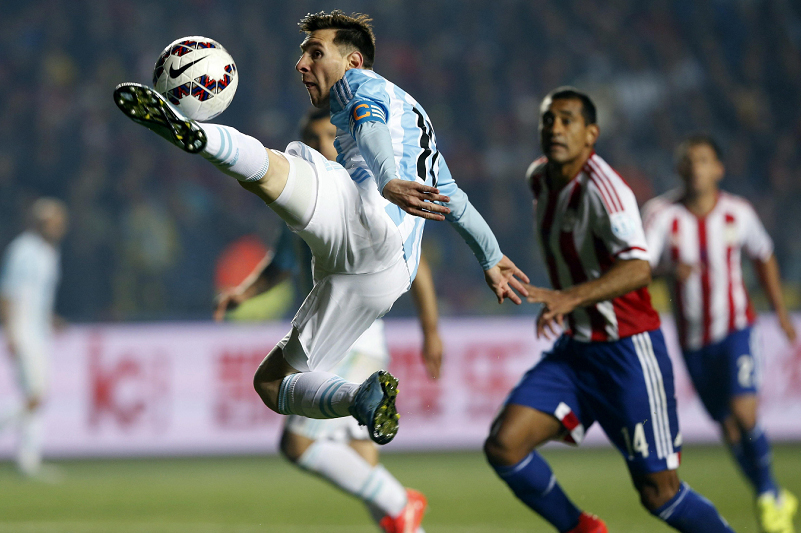 Lionel Messi jugó un gran partido, creando 4 de los 6 goles de su equipo. LA PRENSA/EFE/Felipe Trueba