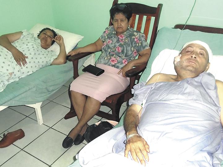 La familia de don José Adán Corrales Tabora suplicó  para que los delincuentes no los mataran. Los sujetos se robaron todo cuanto pudieron. LA PRENSA/S.MARTÍNEZ