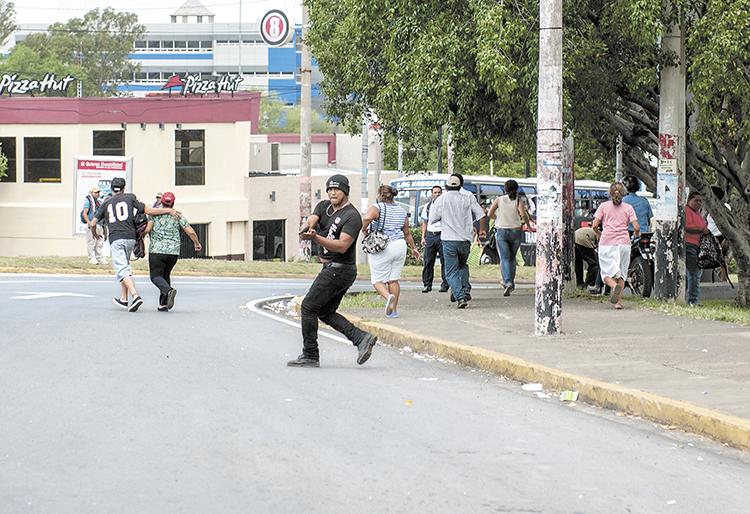 Detrás de este hombre hay una historia de violencia.  Samir Matamoros intentó huir de esta y buscaba rehabilitarse hasta que supuestamente se involucró en actividades partidarias del Frente Sandinista. LA PRENSA/J. TORRES