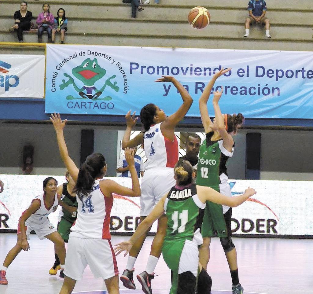 Selección femenina de baloncesto abre con revés