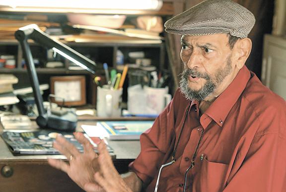 Por primera vez el poeta y narrador Fernando  Silva Espinoza  exhibirá sus pinturas y dibujos, hoy a las 6:30 p.m., en el Centro Cultural Pablo Antonio Cuadra.  LAPRENSA/ARCHIVO