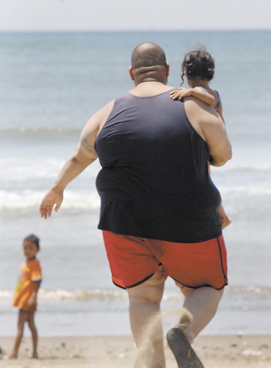 La obesidad está provocando el incremento de enfermedades como la diabetes, tipo I y II,  pero también provoca el aumento de problemas cardiovasculares.  LA PRENSA/ ARCHIVO.