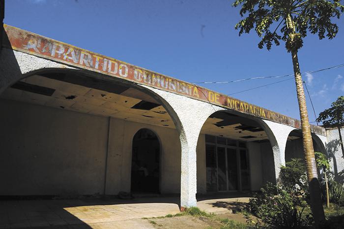 Fachada de la casa donde funciona la sede  del Partido Comunista de Nicaragua (PC de N), la cual abre sus puertas al menos una vez por semana para las reuniones del comité central. LA PRENSA/LISSA VILLAGRA