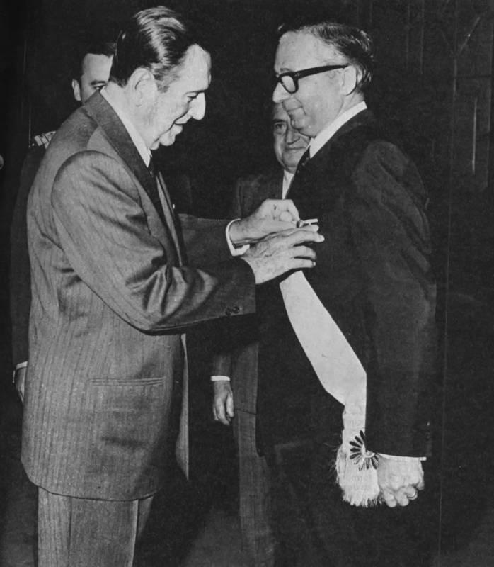 Juan Domingo Perón junto a Licio Gelli. El argentino y el italiano cultivaron una gran amistad y Gelli incluso lo inició en la francmasonería en el año 1973.