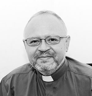 Sacerdote Oscar Chavarría. LA PRENSA/Roberto Fonseca