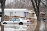 Inundaciones en EE.UU. dejan 22 muertos y amenazan a millones de personas