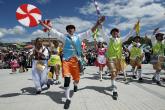 Color y alegría se desbordan en el Carnaval de Negros y Blancos en Colombia