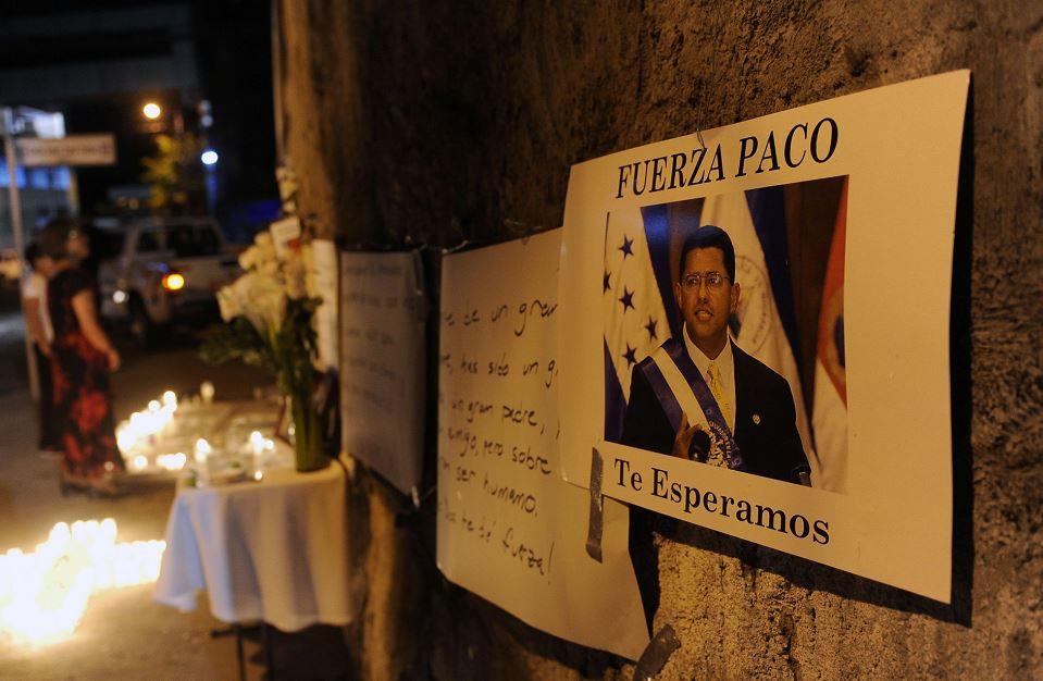 El Salvador, Francisco Flores, corrupción,expresidente