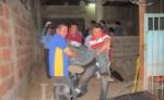Momento en el que Ramiro Ramón Reyes es trasladado a la Morgue del hospital de León, para realizarle una autopsia. E. LÓPEZ