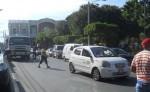 Los taxistas de Granada comenzaron a trabajar en la tarde  luego de haber permanecido detenidos en la Carretera hacia Masaya durante la mañana de ayer.  LA PRENSA/ LUCÍA. VARGAS