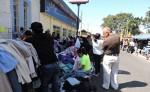 Los vendedores de ropa usada en el mercado de Jinotepe  se tomaron ya casi una de las calles de la ciudad.   LA PRENSA/M. GARCÍA