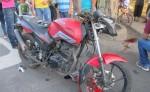 Así quedó la motocicleta en la que viajaba Reynaldo Ruiz, de 39 años, tras sufrir un accidente de tránsito. LA PRENSA/E. LÓPEZ