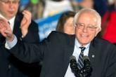 Bernie Sanders critica uno de los programas de inmigración de Obama