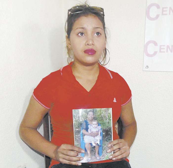 Elva María Cruz exige al Ministerio de la Familia que le devuelva a su hija Freydell Monserrat Castillo Cruz, de 16 meses. LA PRENSA/R. MORA