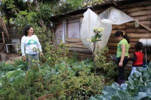 Del huerto salen los ingredientes naturales para las ensaladas y para aderezar las comidas. LA PRENSA/ A. MORALES