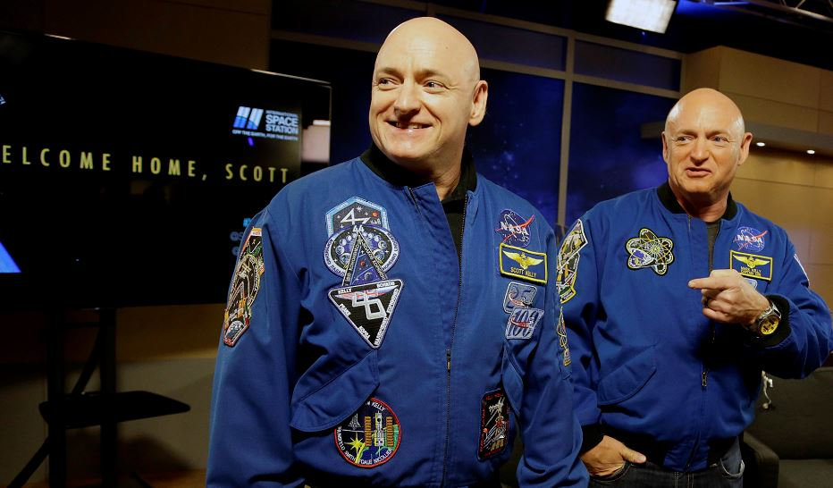 Scott Keyy, Mark Kelly, astronautas
