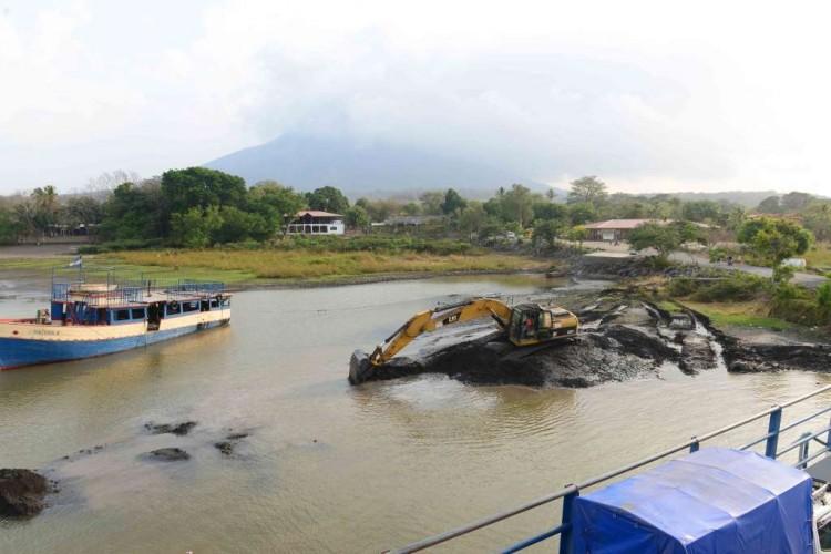 Nicaragua importa draga para paliar sequía de lagos y ríos