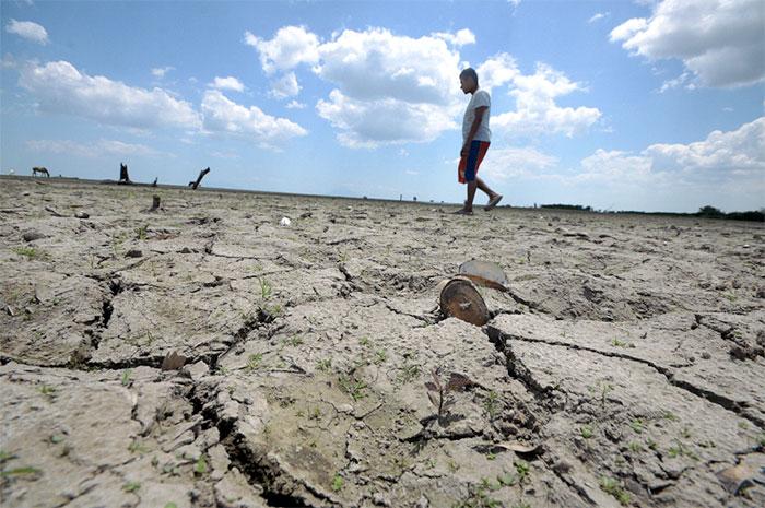 Así quedaron 10 kilómetros secos del lago Cocibolca, la afectación va de punta Mayales hasta El Acetunal.