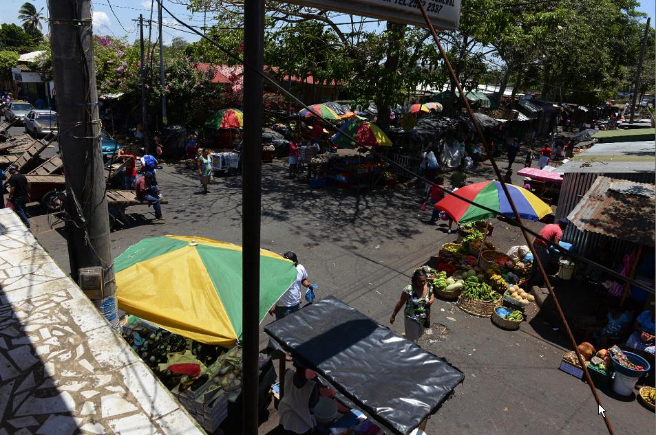 Más de 26 años llevan los habitantes de Jinotepe que trasladen el mercado hacia sus nuevas instalaciones.