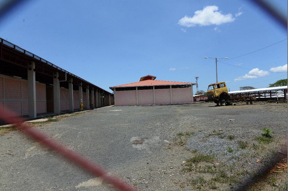 Más de 100 millones de córdobas se han invertido en el mercado municipal de Jinotepe, pero el alcalde actual no puede tomar una decisión por sí mismo y espera una orientación superior para dar la orden de traslado