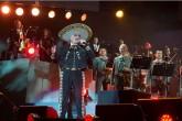 Vicente Fernández dice que escupirá a Donald Trump si se lo encuentra