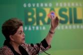 """Rousseff dice que luchará por la Presidencia """"en todas las trincheras"""""""