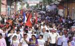Estudiantes y docentes de la UNAN-León  participaron en el cierre de campaña del Frente Sandinista en 2012. Su entonces rector, Róger Gurdián, era el jefe de campaña en León.  LA PRENSA/ ARCHIVO