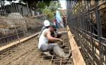 La Alcaldía de Managua ejecuta una obra de drenaje en el barrio Proyecto Piloto  para eliminar su vulnerabilidad; el problema es que los trabajos no los concluirá antes que empiece a llover. LAPRENSA/ R. FONSECA