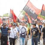 Roberto González, secretario general de la CST al frente de la marcha por el Día Internacional de los Trabajadores. LA PRENSA/Jader Flores
