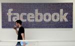 Logo de la red social Facebook en la sede central de la compañia, Menlo Park, California. LA PRENSA/AP/Jeff Chiu