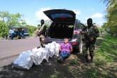 Ejército de Nicaragua ocupa cinco sacos de droga en carretera Acoyapa San Carlos