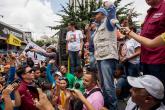 """Capriles advierte que Venezuela será una """"bomba"""""""