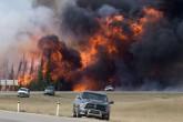 Clima reaviva masivo incendio en Canadá