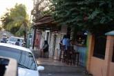Negocios se toman aceras de Managua y complican a peatones