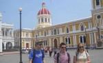 Han ingresado grandes cantidades de turistas extranjeros a la ciudad de Granada,  pero estos no consumen nada ni se quedan, según los promotores turísticos. LA PRENSA/L.VARGAS