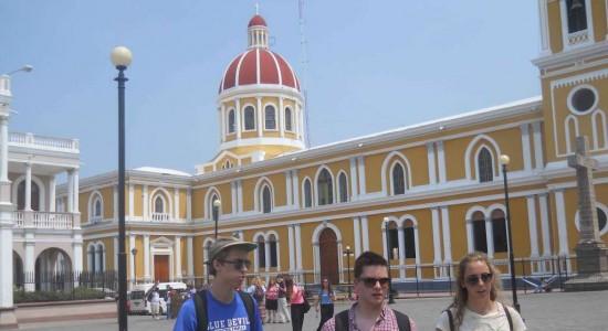 Bajos ingresos por turismo en Granada