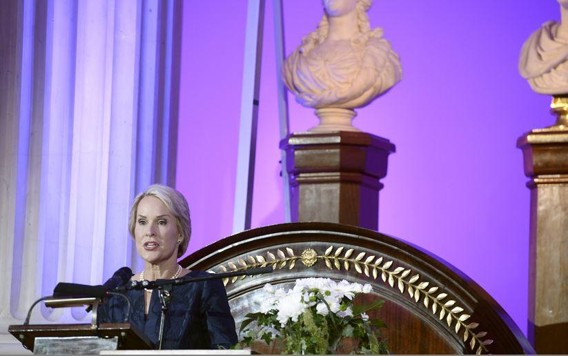 """Frances Arnold, ganadora del premio Millennium de Tecnología, considerado el """"nobel"""" de ese campo. LA PRENSA/AP/Heikki Saukkomaa"""
