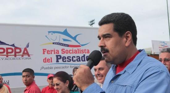 Opositores venezolanos se concentran ante corte para presionar revocatorio