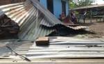 Unas quince personas resultaron afectadas cuando los techos de sus viviendas fueron llevados por el viento. LA PRENSA/EDDY LÓPEZ