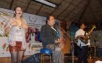El espectáculo para ayudar a Valentín Castillo, en su cura contra un cáncer de páncreas, contó con la participación de   Karla Matus y Carlos Mejía Godoy.  LAPRENSA/ARNULFOAGÜERO