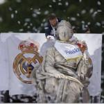 Real Madrid presenta la Champions ante Cibeles y aficionados