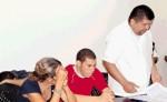 Samir Enrique Silva Toledo, Gonzalo Lucío  Vivas Toledo (aparece escondido en la foto) y Mercedes Emelina Toledo Llanes, supuestamente tienen adicción a la droga. LA PRENSA / ARCHIVO