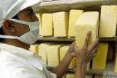 Lluvias abaratan precio del queso