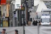 Detienen a hombre con falsa bomba en centro comercial de Bruselas